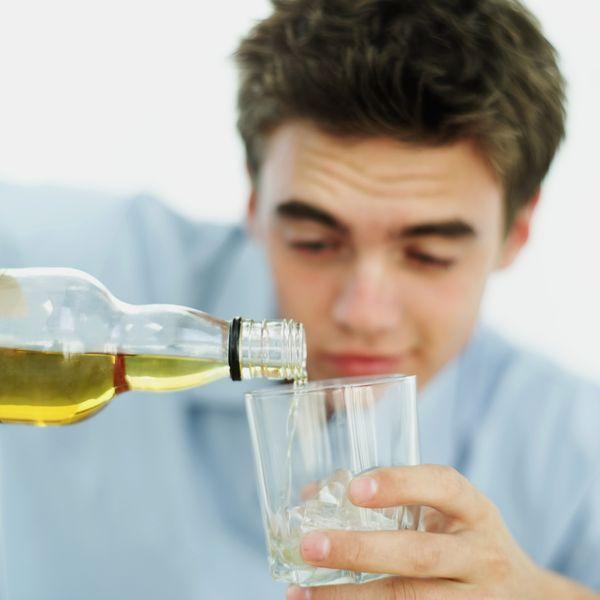 A medicina mais eficaz de tratamento de alcoolismo