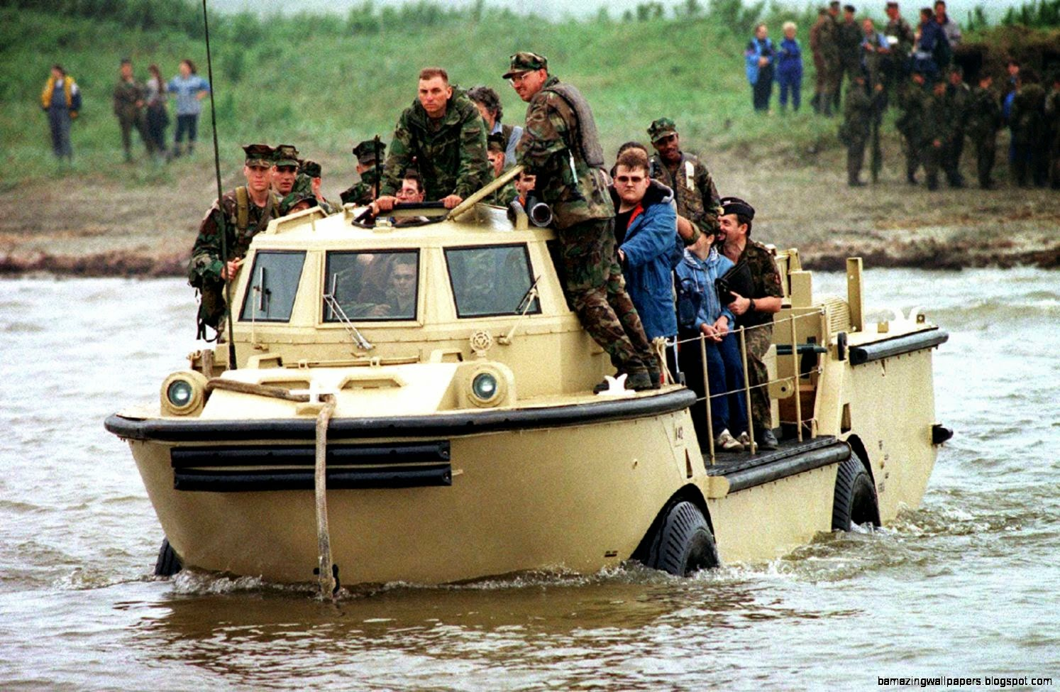 Amphibious vehicle   Wikipedia the free encyclopedia
