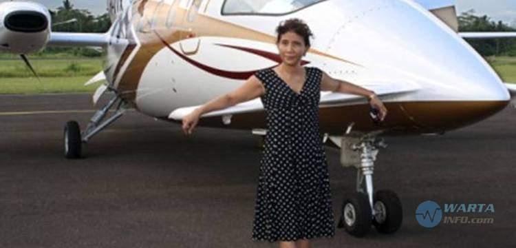 Foto gambar Fakta menteri Susi Pudjiastuti pemilik Susi Air Pangandaran
