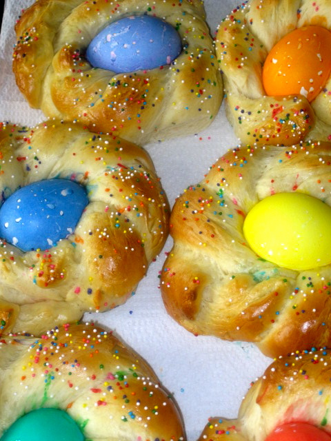 ... Dish: Buona Pasqua! Happy Easter with Italian Easter Egg Bread