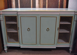 Hollywood Regency Mid Century credenza