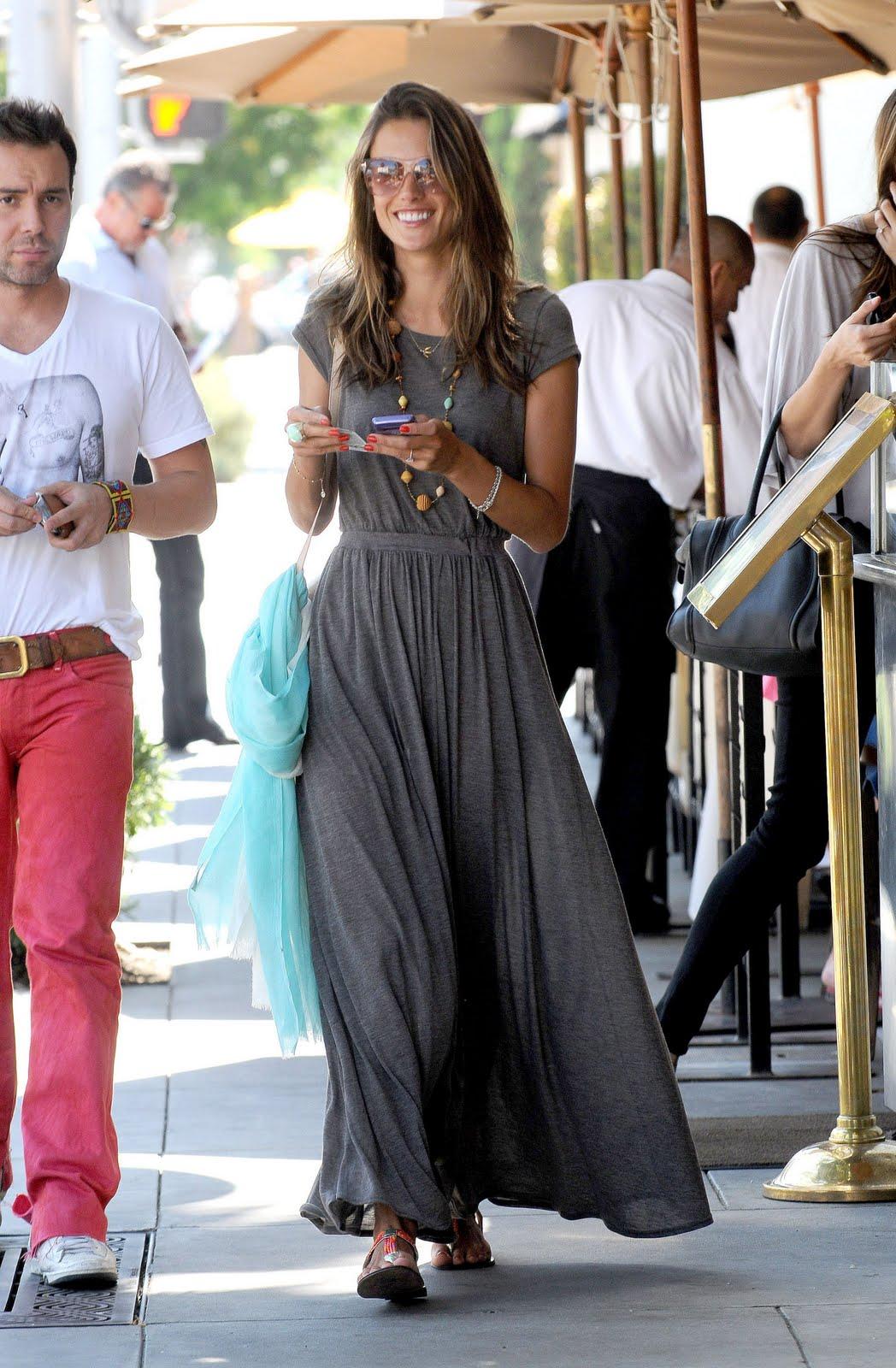 http://3.bp.blogspot.com/-ccCZIaRFAP4/TlpMKmbG3bI/AAAAAAAAUGM/G6d9a-3bb-Q/s1600/dress5.jpg