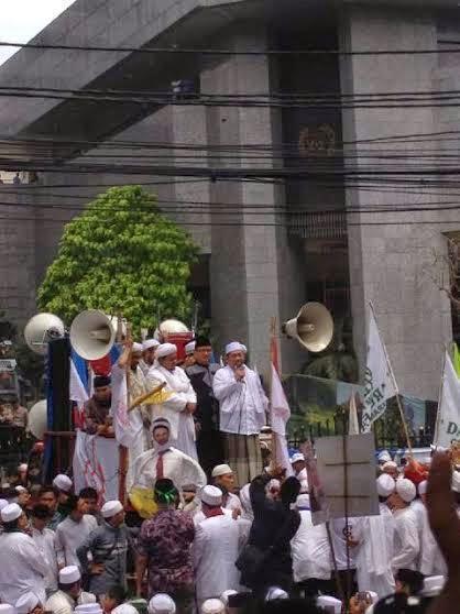 Inilah 3 Janji 'Gubernur Tandingan' FPI Saingi Ahok: dari Blusukan hingga Hak Angket