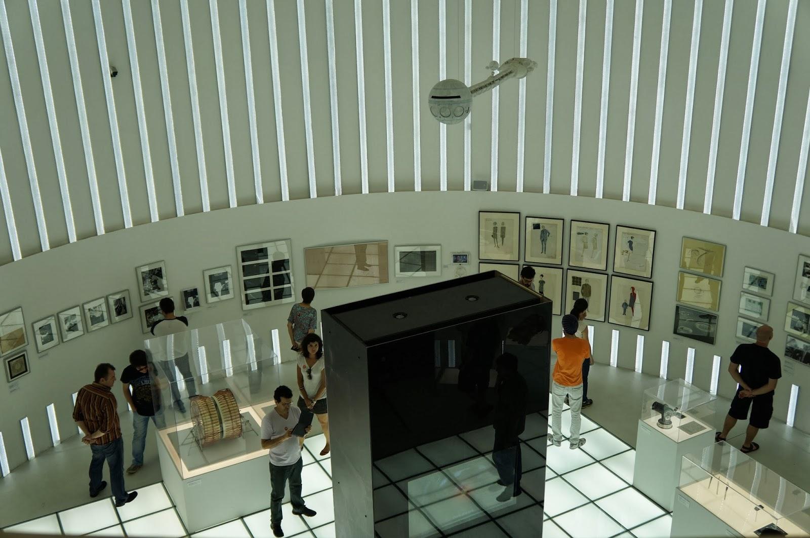 """sala de exposição do filme """"2001: uma odisseia no espaço"""" - Stanley Kubrick - MIS - SP"""