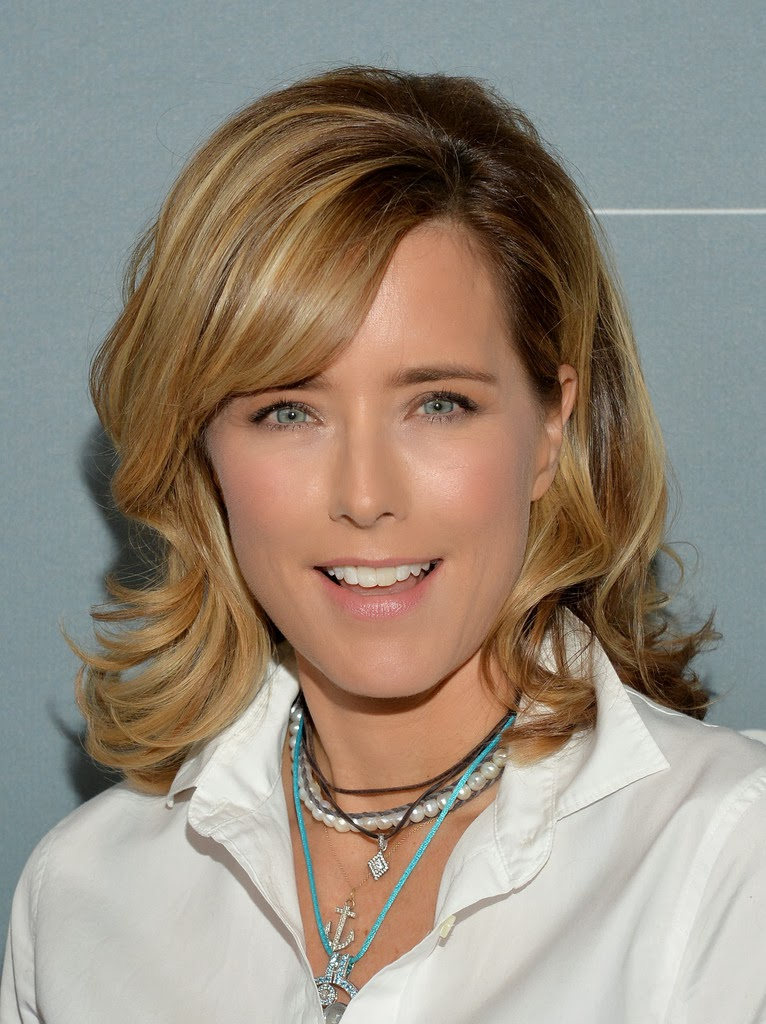 Sexy bouncy Téa Leoni nude the way