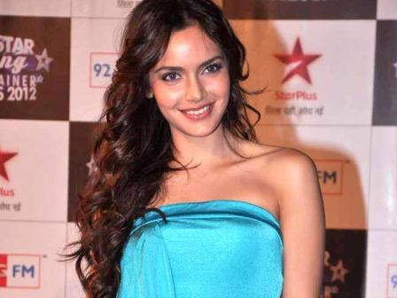 Shazahn padamsee in blue gown latest pics - Bollywood Stars at BIG STAR Young Entertainer Awards 2012