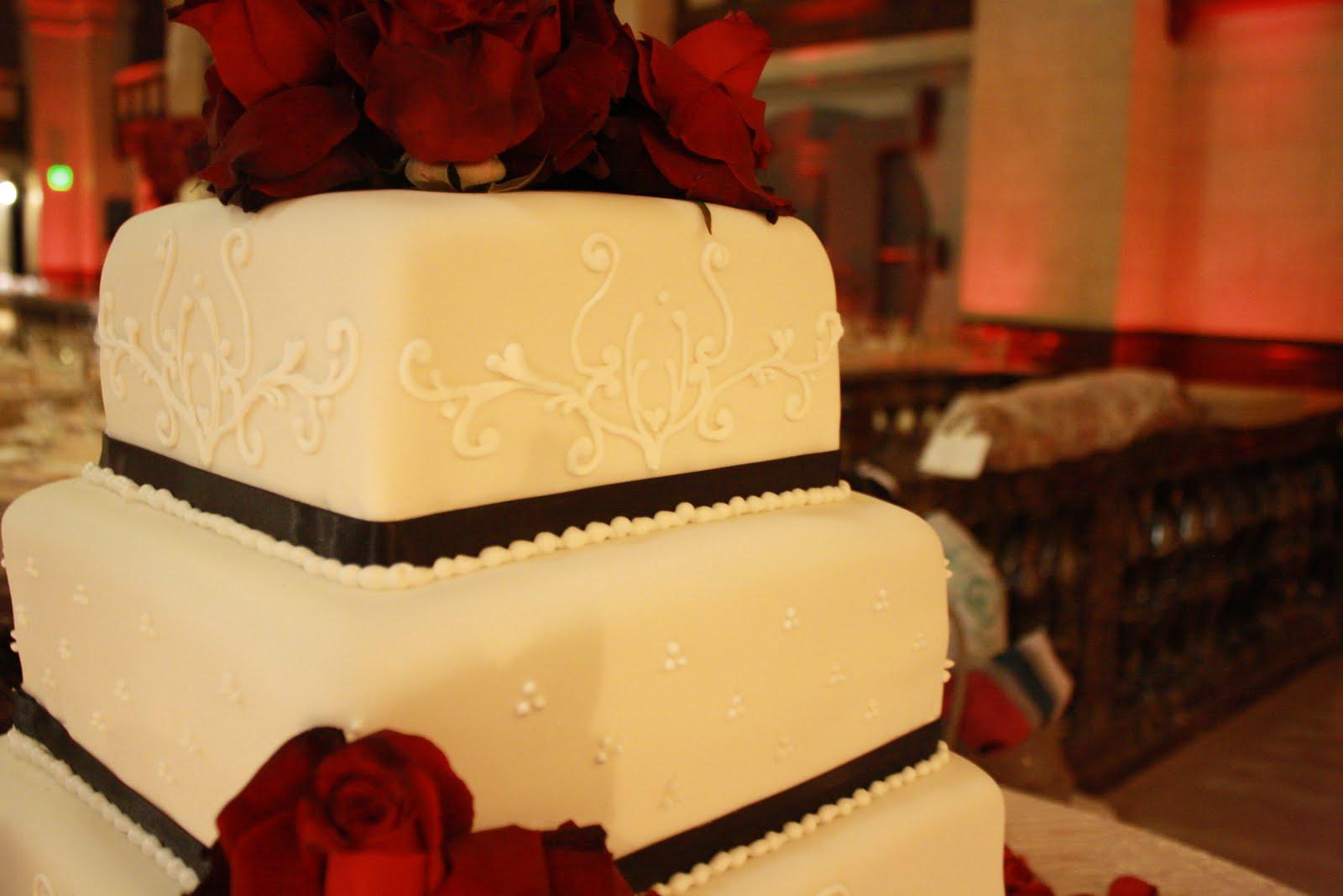 A Cake Story: Baker, Shaker, Wedding Cake Maker