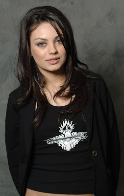 Hollywood Actress Mila Kunis HQ Wallpaper-73-800x600
