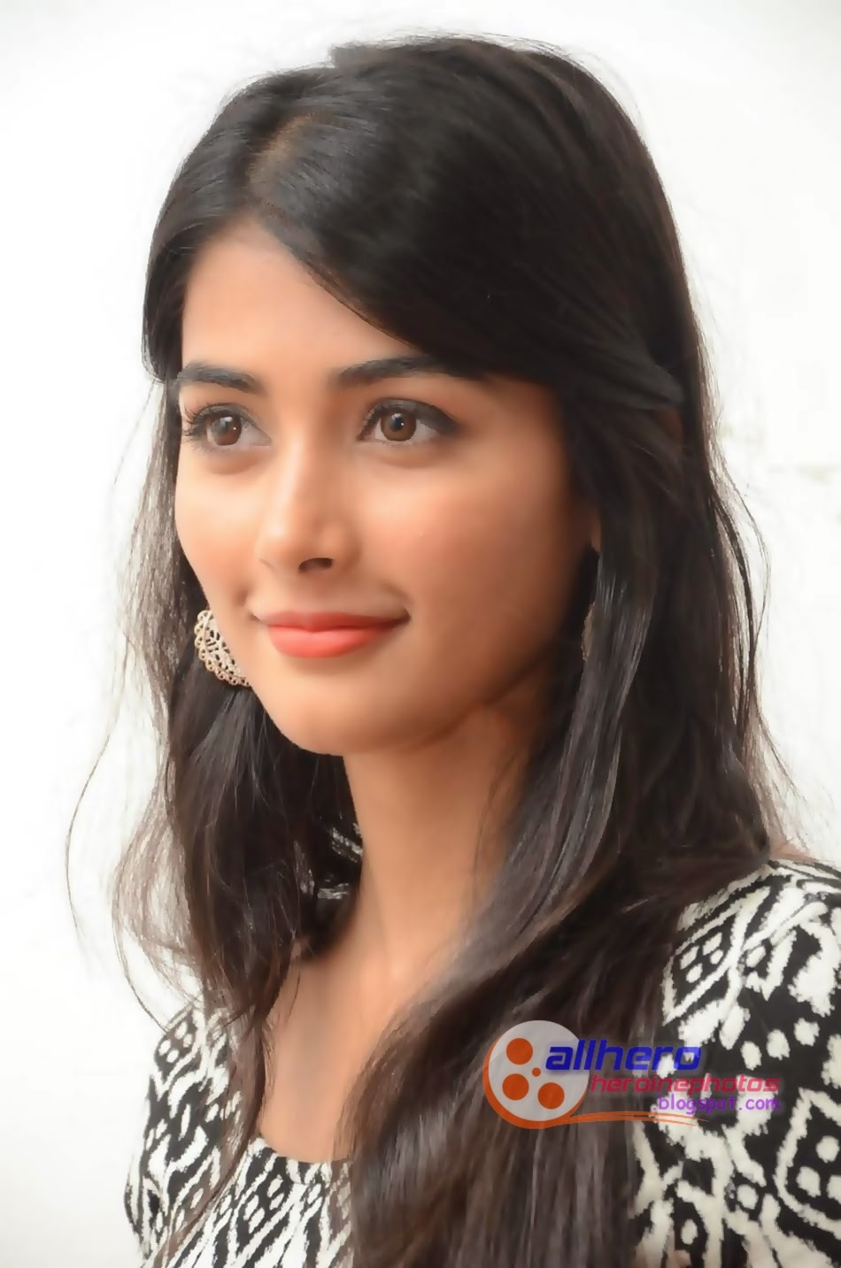 Pooja Hegde Photos | Hot Stills | PhotoShoot | Oka Laila Kosam Heroine Pooja Hegde Hot Photos