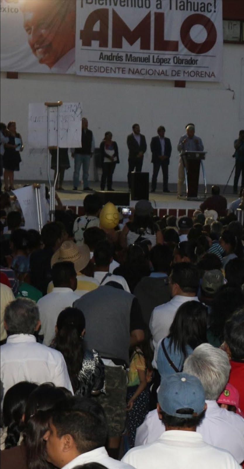 El show del «Peje» se presentó en Tláhuac como conferencia política