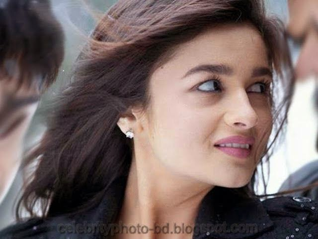 Alia+Bhatt+Bollywood+Actress+Wallpaper009