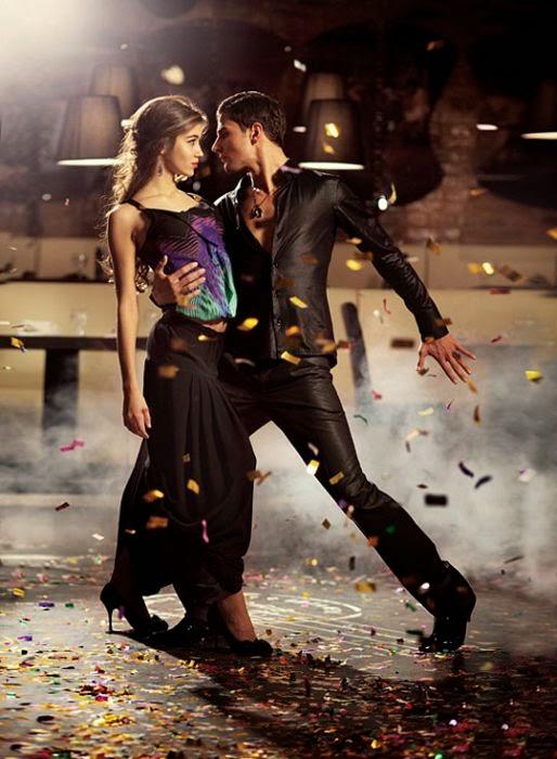 Dancing+People014