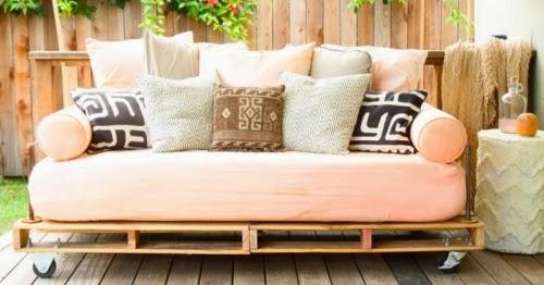 C mo hacer un sof con palets por menos de 150 ideas eco - Como hacer un sofa con palets ...