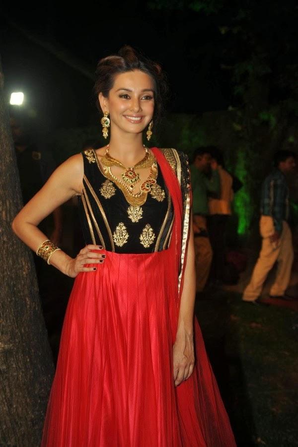 Indian Singer Shibani Dandekar