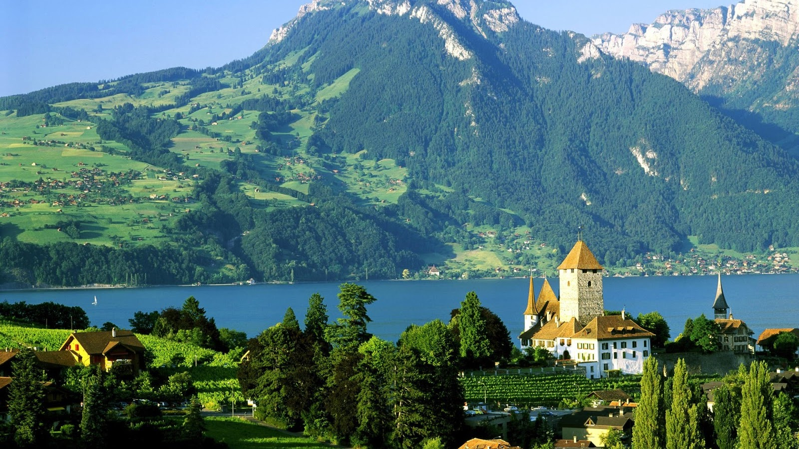 http://3.bp.blogspot.com/-cdXKjBWrsfM/UHdWHcF03pI/AAAAAAAAB68/AOW1leEAFxk/s1600/Amazing+Hereby+Castle+in+Switzerland+wallpaper+(1920x1080).jpg