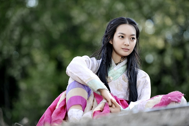 Arang on top of the roof via heyladyspring.com