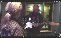Neil Young gibt Meryl Streep Gitarrenunterricht