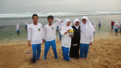 Moving Class at Krakal Beach