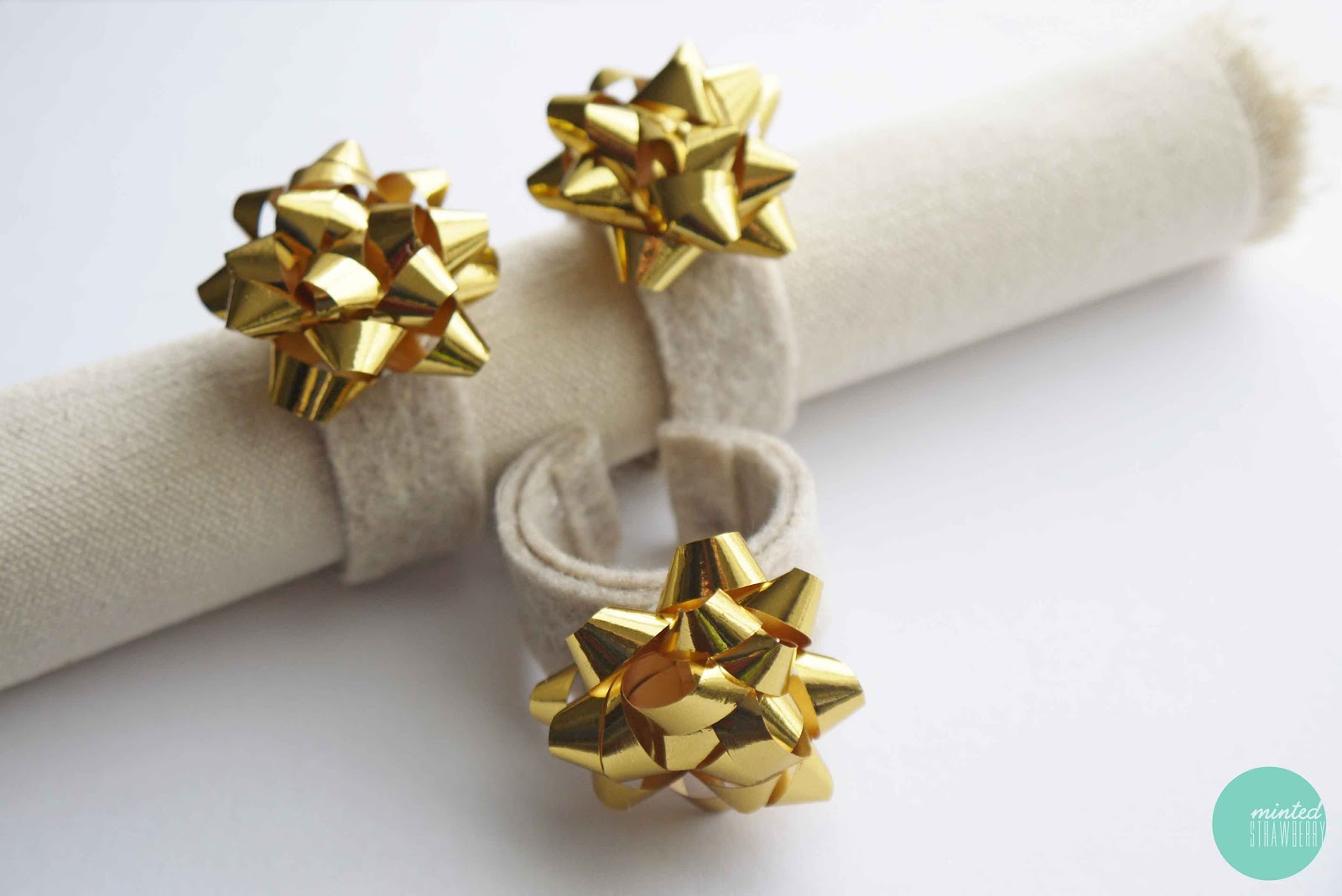 Diy Easy Bow Napkin Rings Minted Strawberry