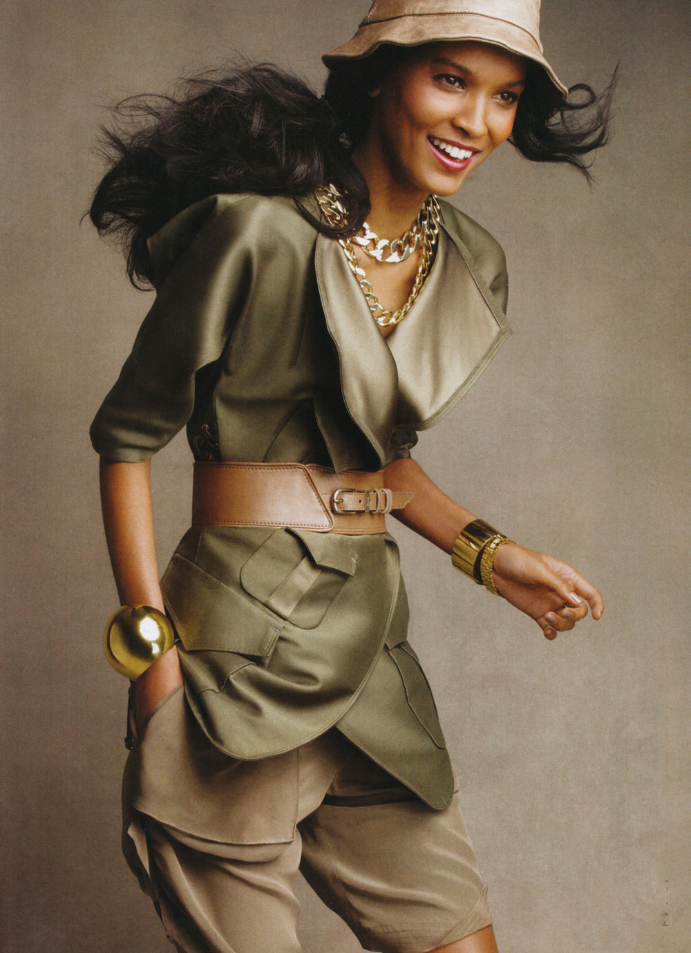 Liya Kebede in Desert fox / Vogue US March 2009 (photography: Patrick Demarchelier, styling: Marie-Amelie Sauve)