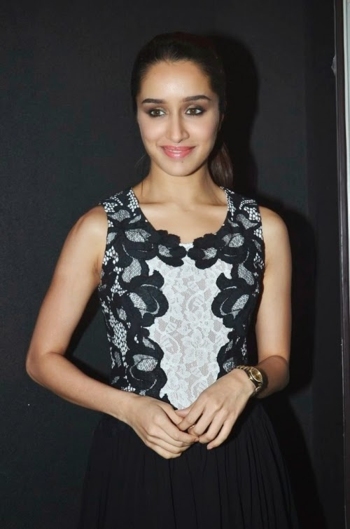 shraddha kapoor hot thigh hd wallpapers