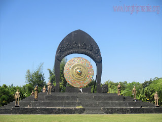 Tempat Wisata Monumen Gong Perdamaian Dunia Kertalangu Bali