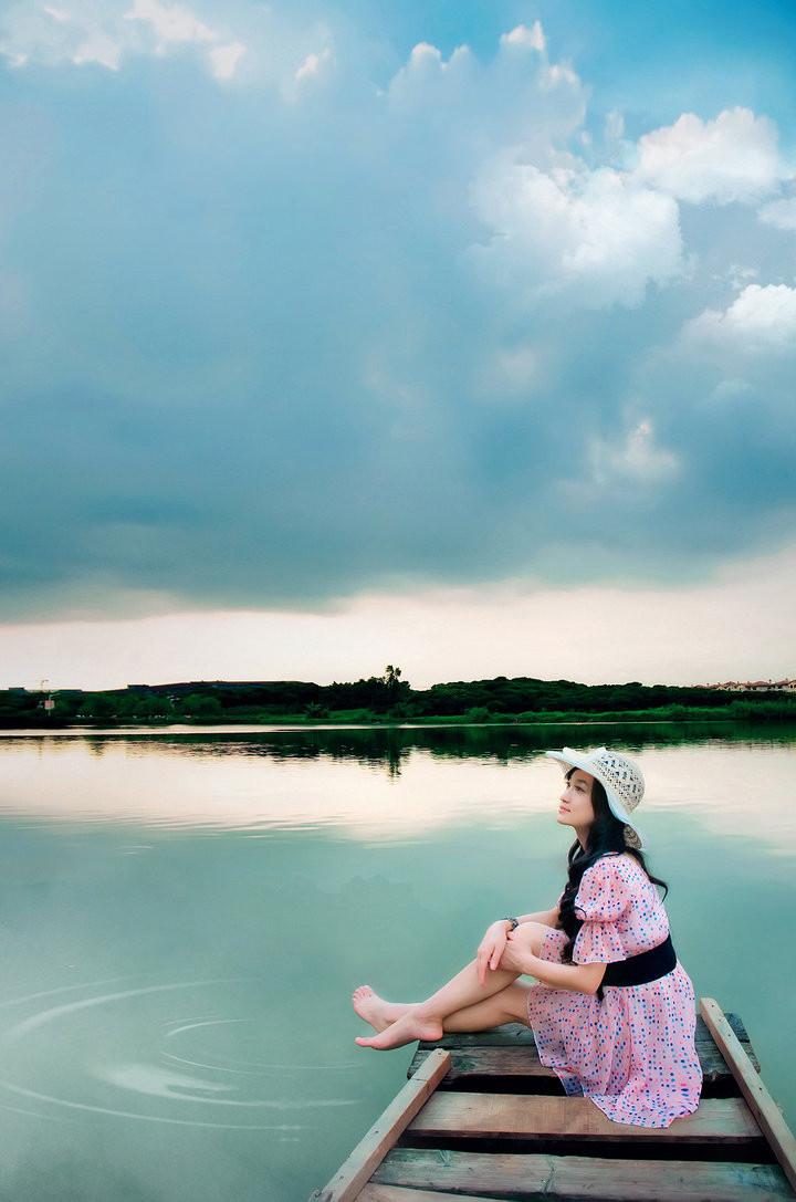 我问那星星有没有看到你 (wǒ wèn nà xīng xing yǒu méi yǒu kàn dào nǐ) - I asked the stars whether they have seen you 请它告诉你 (qǐng tā gào su nǐ) - Ask them to tell you