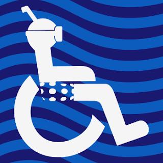 Logotipo de persona usuaria de silla de ruedas con bermudas y snorkel