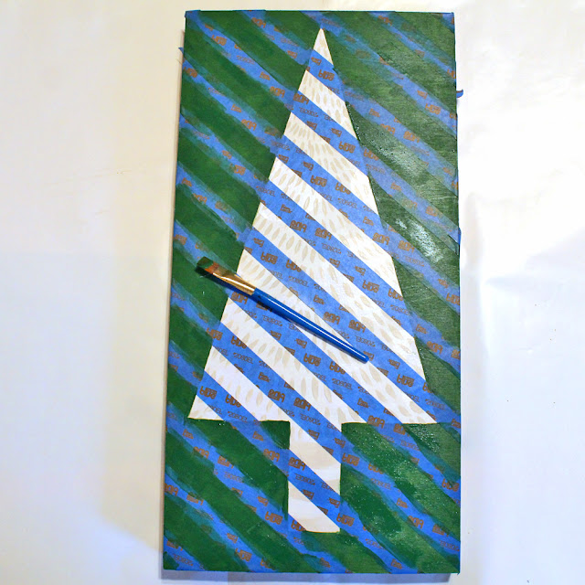 Make a Christmas Canvas using paints by #decoart and following this DIY by Katie Smith @punkprojects