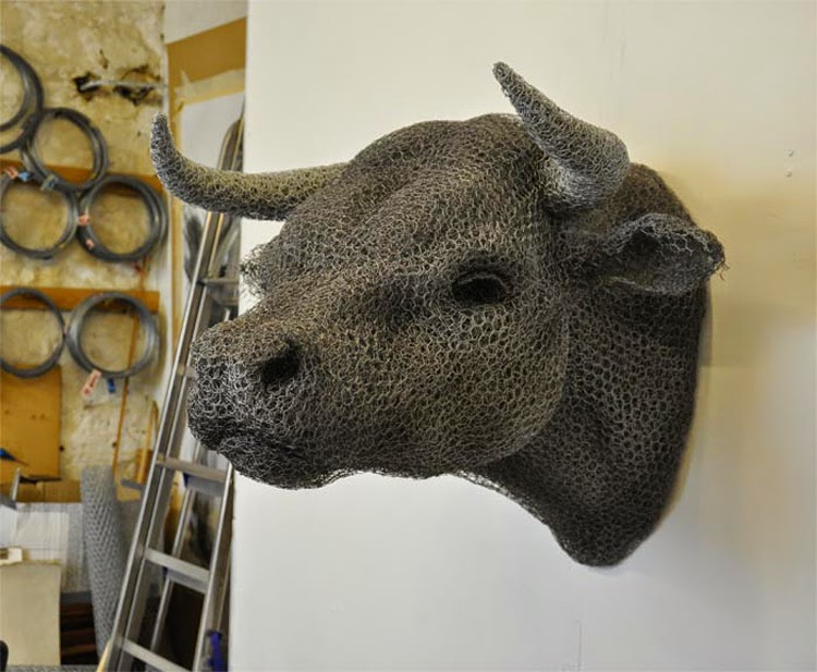 10-Head-of-Bull-Kendra-Haste-Galvanised-Wire-Animal-Sculptures-www-designstack-co