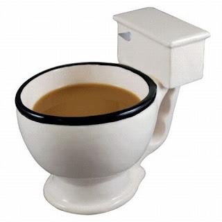 Beber agua da sanita - copo inovador