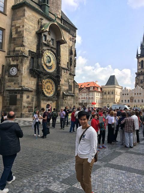 wisata, traveling, Prague, Czech Republic, Old Town Square,  Astronomical Clock