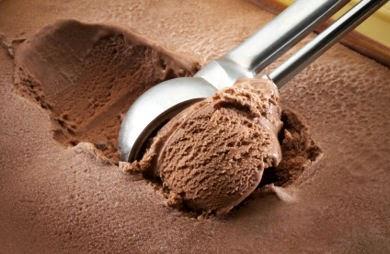 Bahan dan Resep Es Krim Rasa Cokelat Susu yang Lembut dan Sederhana