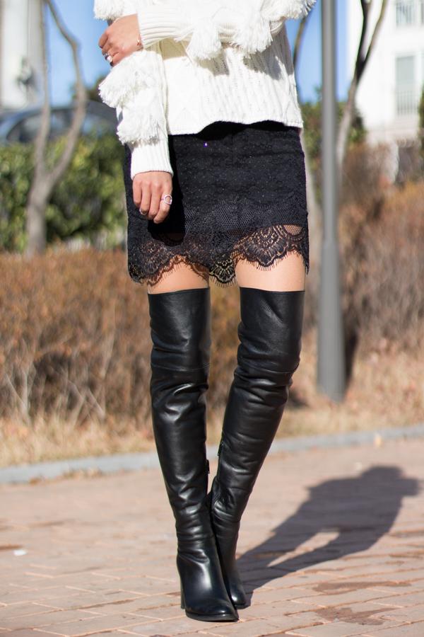 Фото ботфорты с мини юбкой