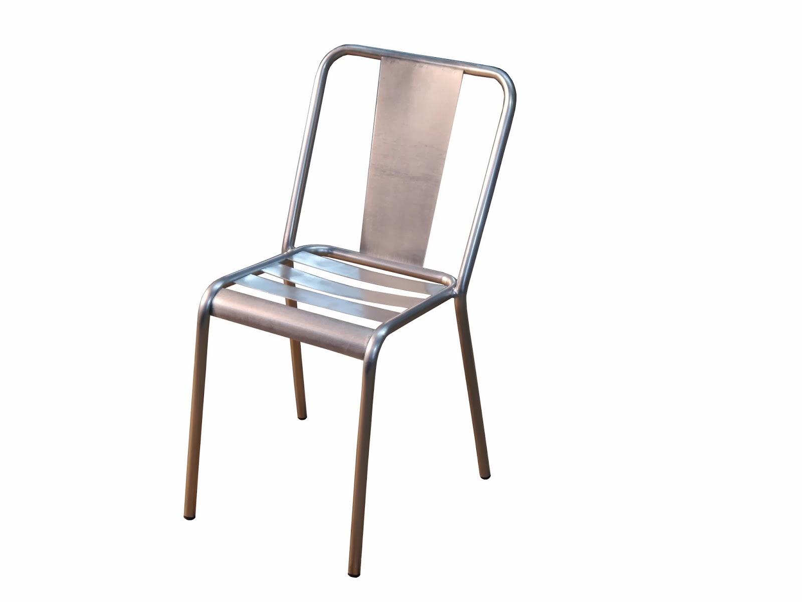 Mesas y sillas de hierro forjado artesanalmente en for Modelos de sillas de metal