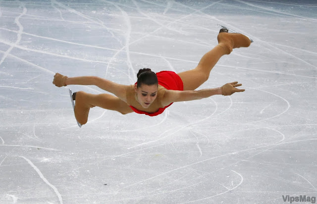 Adelina Sotnikova in performance during 2014 Sochi Winter Olympics - picture 1