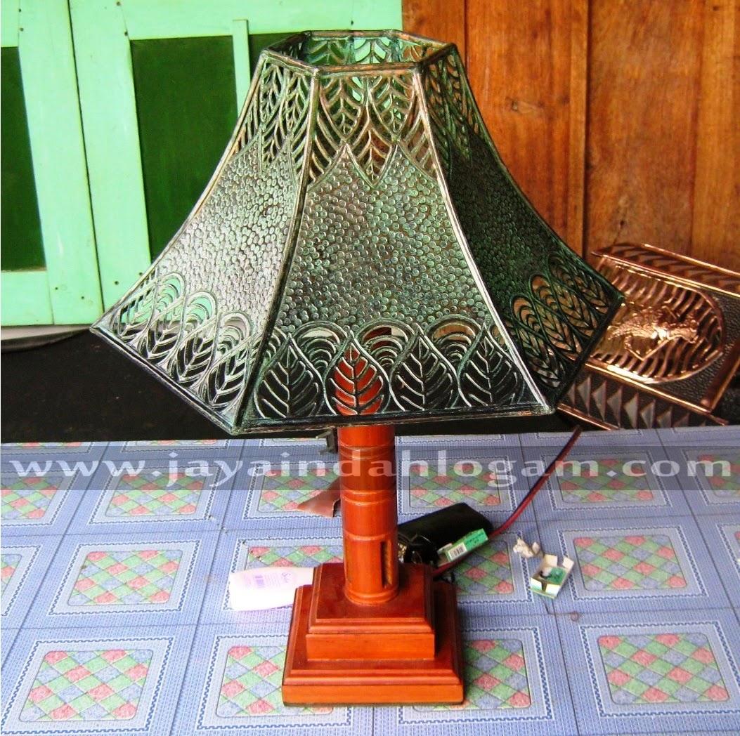 http://www.jayaindahlogam.com/2014/08/lampu-meja.html