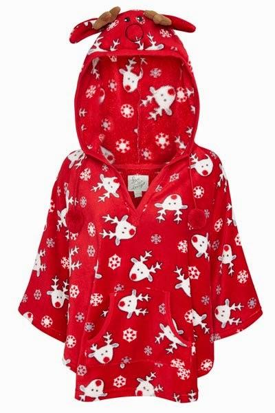 Primark online: bata en roja con estampado navideño en rojo