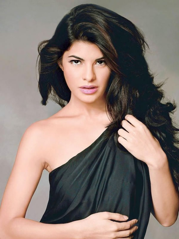 Jacqueline Fernandez HD Wallpapers Free Download