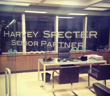 Suits harvey specter office Desk Anyone Has Watched Suits Knows That Harvey Doesnt Deal Well With Restriction On The Other Hand He Does Want To Make Up For His Mistakes With Jessica Batteryuscom Jerome Wetzel Tv An Interview With Suits Gabriel Macht