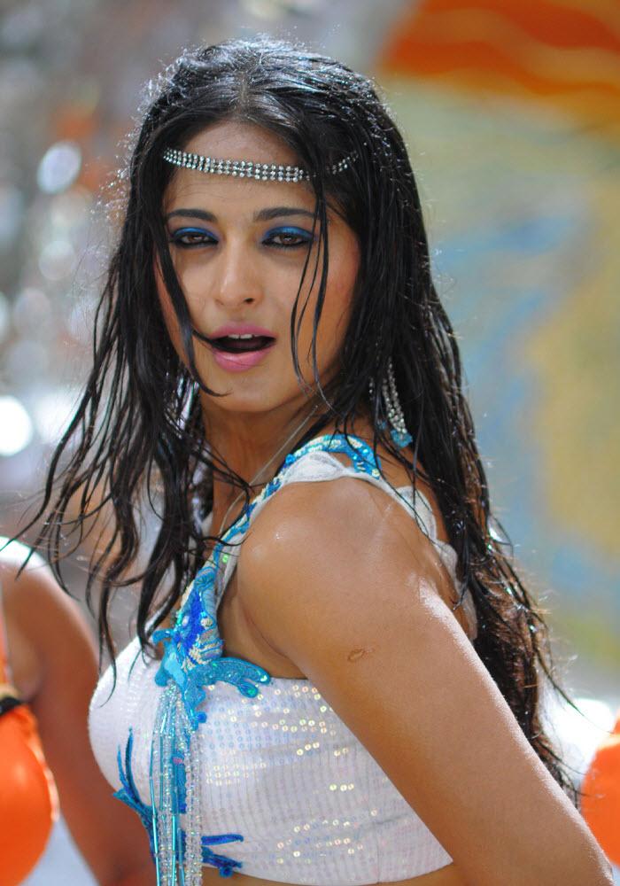 anushka latest Hot photos, anushka Actress Photos, anushka