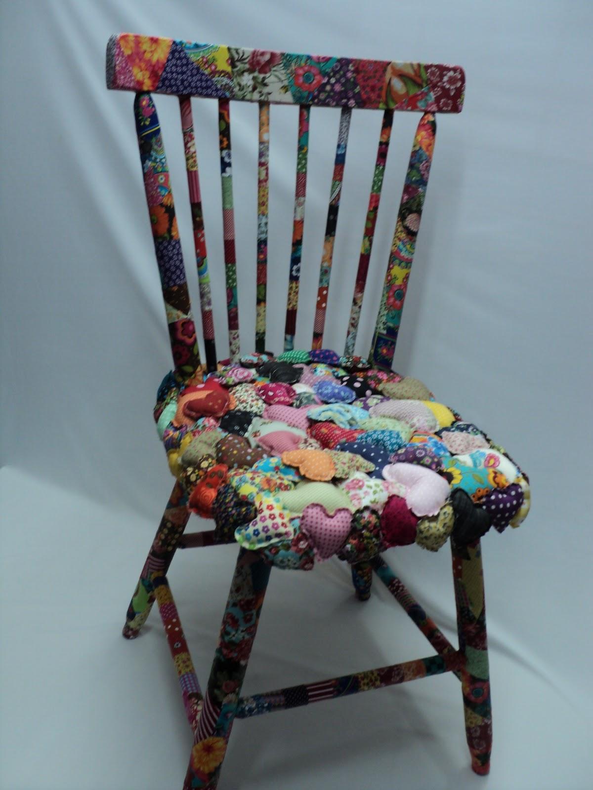 Santa Graça: Cadeira Customizada Corações. #6F3636 1200x1600