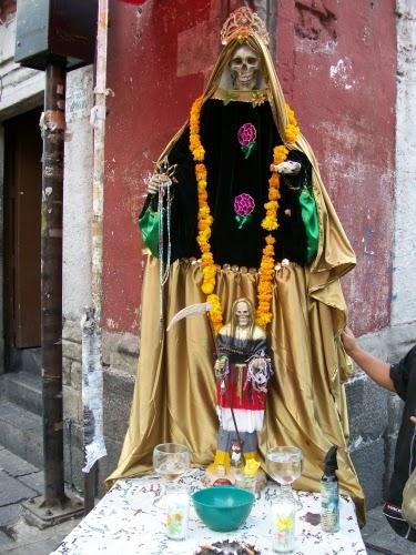 Santa Muerte estatua gande