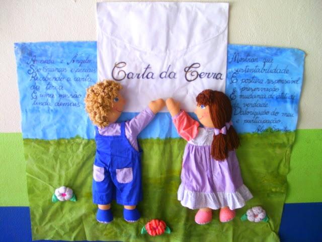 Projeto Leitura e escrita cartaz com bonecos de pano