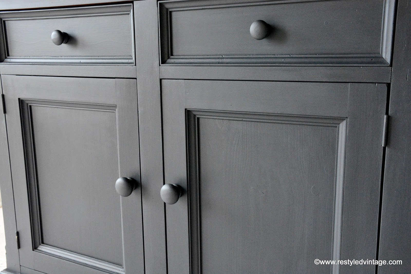 Restyled Vintage: How To Get A Great Waxed Finish On Graphite Annie Sloan Chalk  Painted Furniture