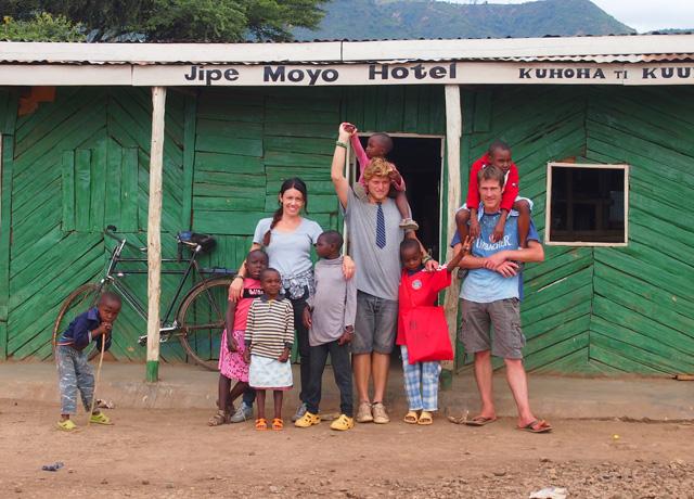 fra Miro Babić mali dom misija afrika sirotište volontiranje Ana Josipović Mijo Majhen Domagoj Kocijan
