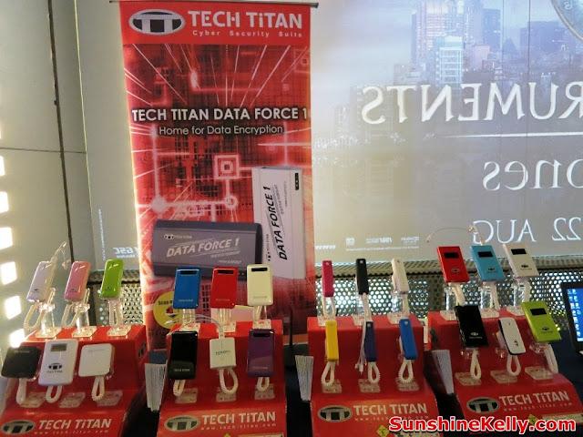 TECH TITAN Data Force 1, Tech Titan