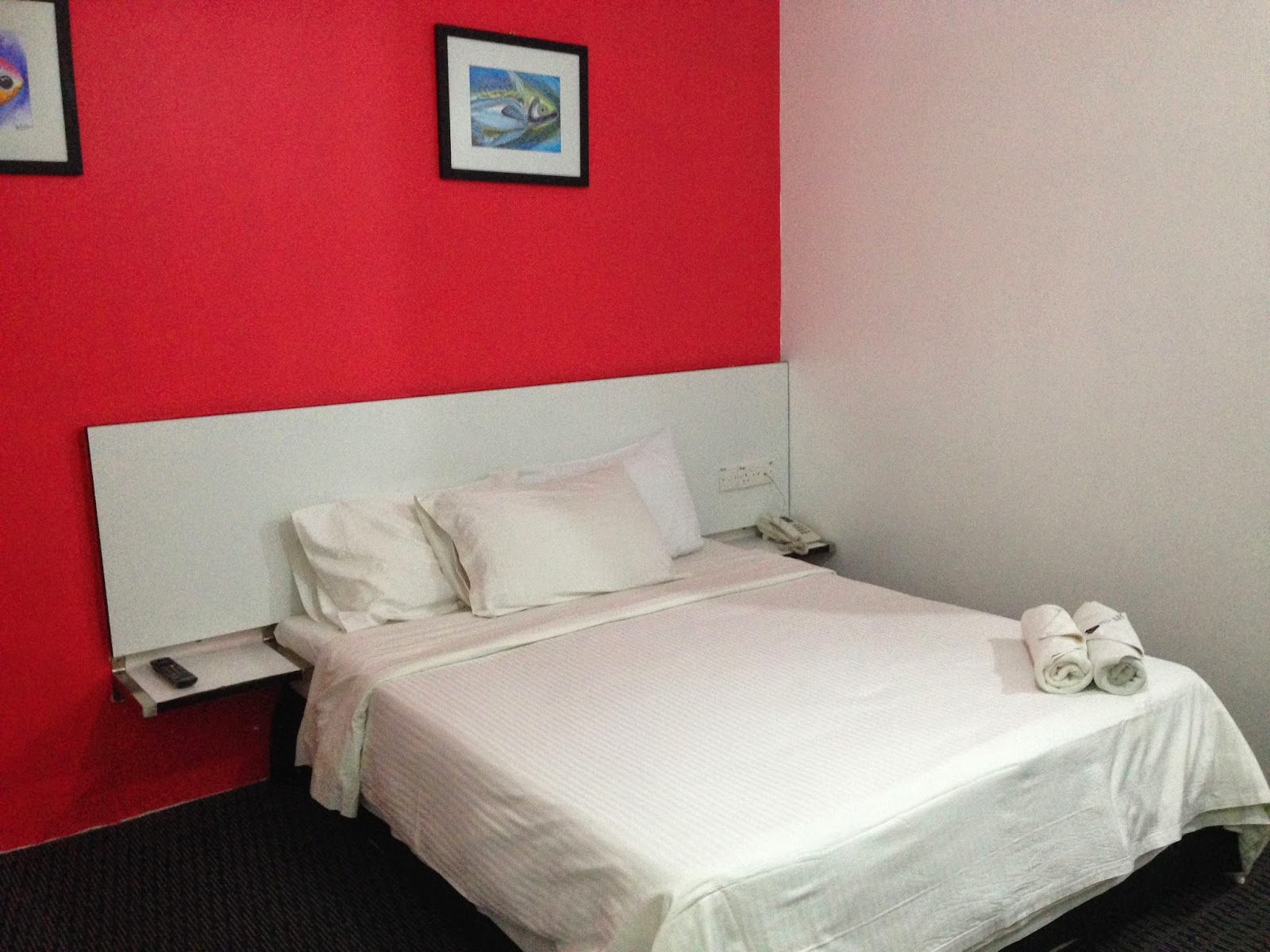 Ridel Hotel executive room bed