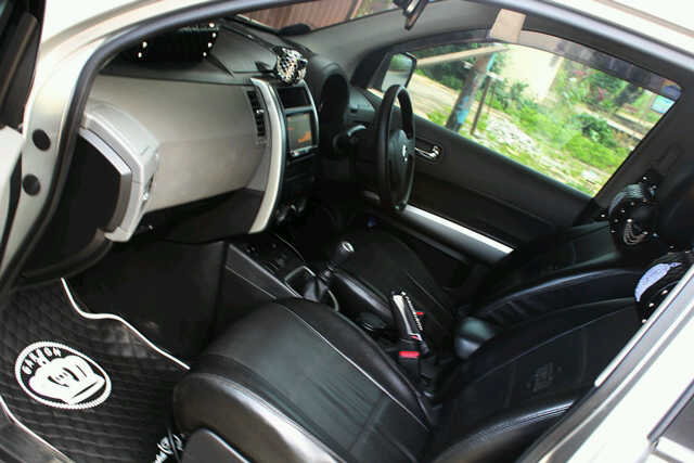 bursa mobil bekas pontianak xtrail 2008 silver meta manual harga mobil. Black Bedroom Furniture Sets. Home Design Ideas