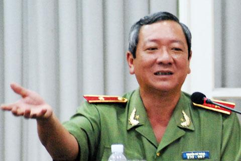 Thiếu tướng Nguyễn Chí Thành - Giám đốc công an TP HCM phát biểu tại hội nghị. Ảnh: Tá Lâm.